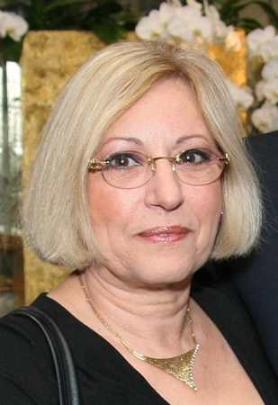 Dr. Lena Lavie